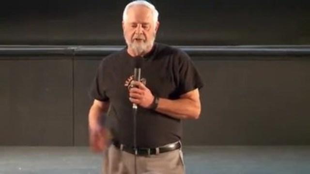 Vidéo : Steve Beauchesne, directeur général et co-fondateur de Beau's et Tim Beauchesne, président et co-fondateur, annonçant la vente imminente de la brasserie aux employés.