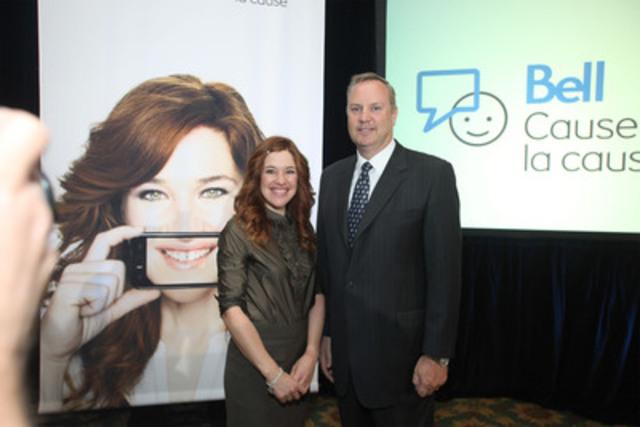 George Cope, président et chef de la direction de Bell Canada et de BCE avec Clara Hughes. (Groupe CNW/BELL CANADA)