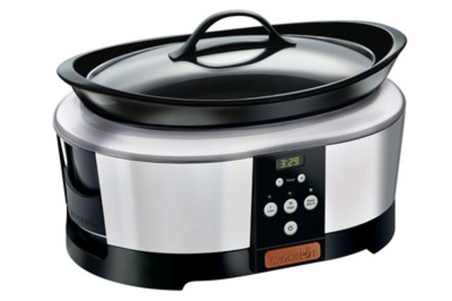 Grâce à la technologie d'aujourd'hui, l'ancienne mijoteuse Crock-Pot® de base a été transformée en un élément de cuisine essentiel et digne du comptoir de cuisine. (Groupe CNW/Jarden Consumer Solutions)