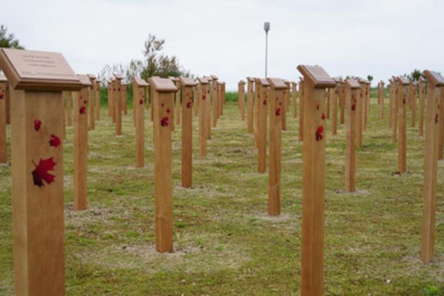 Hommage Canadien au Jour J au Centre Juno Beach, qui représente les 359 soldats canadiens qui sont morts. (Groupe CNW/Association Centre Juno Beach)