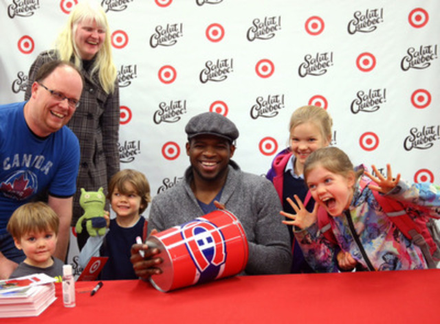 To celebrate the opening of the Place Alexis Nihon Target Store, professional hockey player P.K. Subban was at the store on November 18. The Tricolore's star player was happy to meet with fans and sign autographs (CNW Group/Target Corporation)