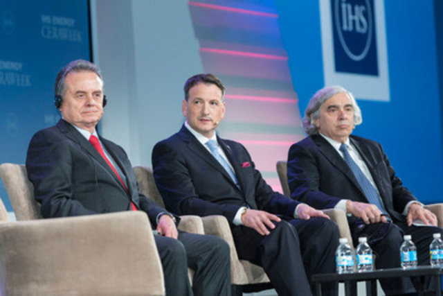 """North American Energy Leaders Highlight Continental Approach on Energy Security and the Environment The Honourable Greg Rickford, Canada's Minister of Natural Resources, participates in a panel discussion titled """"The North American Energy Powerhouse"""" with Dr. Ernest Moniz, United States Secretary of Energy, and Pedro Joaquín Coldwell, Mexican Secretary of Energy, during CERAWeek in Houston, Texas, on April 22, 2015. (CNW Group/Natural Resources Canada)"""