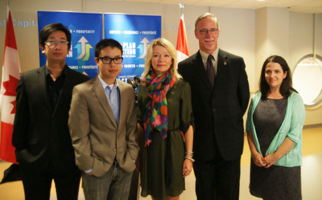 Mr. Kenneth Loi, Eka Innovations/Procurify CEO; Mr. Vincent Tsui, Career Focus program participant; Minister Bergen; Mr. Steve Butz, YMCA President and CEO; and Ms. Yael Drinkle, YMCA Manager, Employment & Training. (CNW Group/Canada's Economic Action Plan)