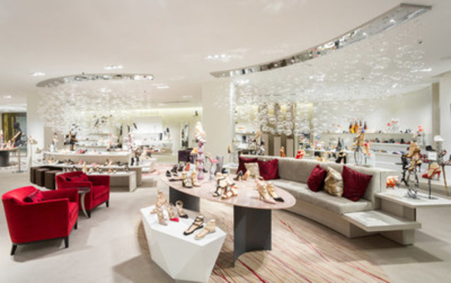 Saks Fifth Avenue's 10022-Shoe Salon at CF Toronto Eaton Centre (CNW Group/Saks Fifth Avenue)
