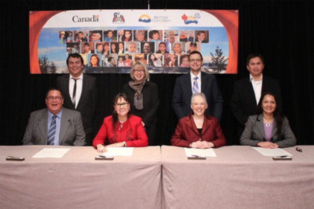 [Bottom L to R] Grand Chief Doug Kelly, Chair, First Nations Health Council, Leona Aglukkaq, Federal Minister of Health, Margaret MacDiarmid, B.C. Minister of Health, Lydia Hwitsum, Chair, First Nations Health Authority joined by witnesses in signing the Health Partnership Accord. (CNW Group/Health Canada)