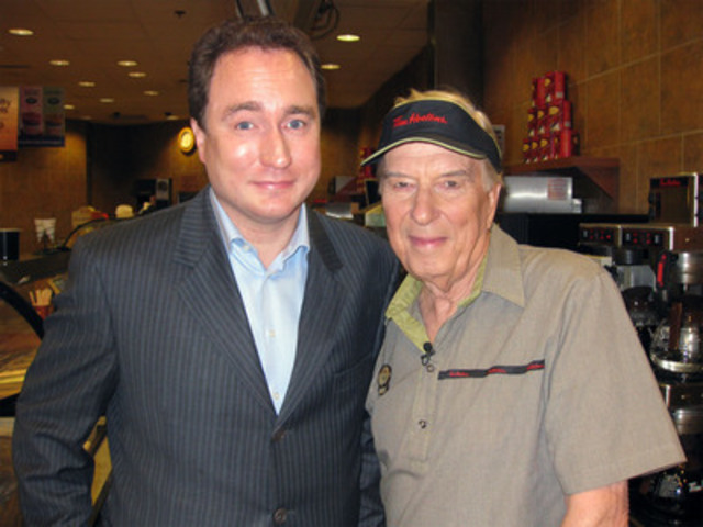 Mark Critch and Lloyd Robertson (CNW Group/22 MINUTES)