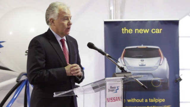"""Video: Nissan Canada and PowerStream Demonstrate Nissan """"LEAF to Home"""" Charging System"""