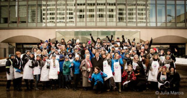 Un grand merci à tous les bénévoles et partenaires de Soupe Pour Elles! (Groupe CNW/Gaz Métro)