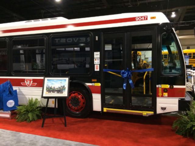 Nova Bus conclut un contrat pour la livraison de 55 Nova LFS avec la Toronto Transit Commission (Groupe CNW/NOVA BUS)