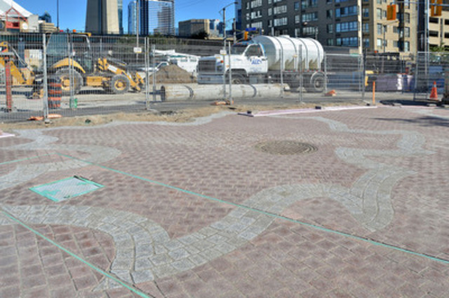New granite installation at Rees Street (CNW Group/Waterfront Toronto)