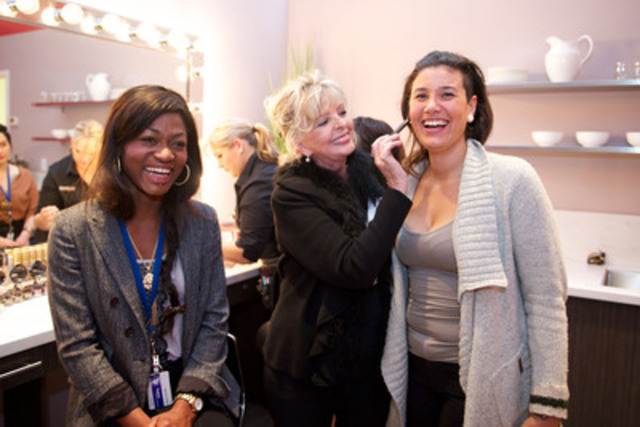 Canadian cosmetics icon Madame Lise Watier is giving a confidence boost to homeless young women at Covenant House Toronto through a new life skills and mentoring program in its own lounge funded by the Lise Watier Foundation. Madame Watier puts a finishing touch on former resident Vanessa and current resident Marlene during the official program launch (CNW Group/Lise Watier Cosmétiques Inc.) (CNW Group/Covenant House)