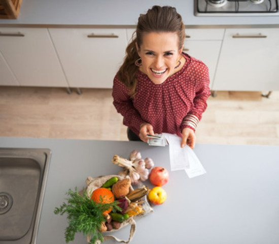Dietitians say that eating clean, high-fibre foods in the morning helps maintain stable blood sugar and ward off sluggishness throughout the day (CNW Group/Devon Consulting)