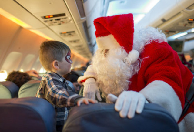 Air Transat's 12th annual Flight in Search of Santa, a joint effort in partnership with Children's Wish Foundation of Canada (CNW Group/Air Transat)