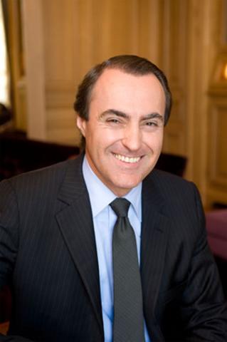 Jean-Christophe Bédos, auparavant chez Boucheron, bijoutier-joallier de réputation internationale basé à Paris, succédera à Thomas A. Andruskevich comme président et chef de la direction de Birks & Mayors inc. (Groupe CNW/BIRKS & MAYORS INC.)
