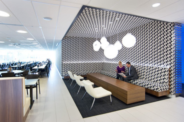 Pfizer Canada lounge area and cafeteria (CNW Group/PFIZER CANADA INC.)
