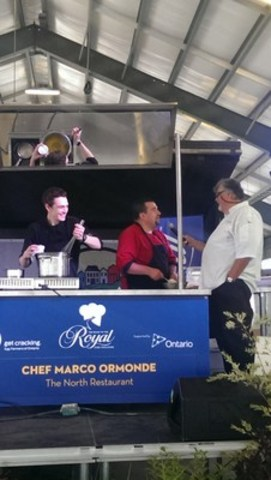 Chef Marco Ormonde with award-winning chef and author Ted Reader. (CNW Group/Royal Agricultural Winter Fair)