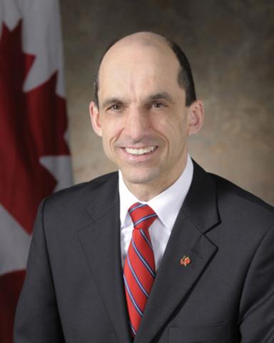 L'honorable Steven Blaney, ministre des Anciens Combattants et pour la Francophonie (Groupe CNW/Gouvernement du Canada) (Groupe CNW/Anciens Combattants Canada)