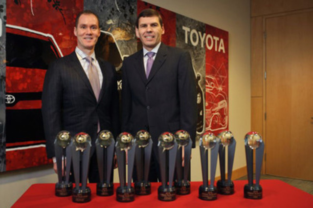 2015 ALG Residual Value Awards: Larry Hutchinson, Vice President, Toyota Canada and Geoff Helby, ALG  (CNW Group/Toyota Canada Inc.)