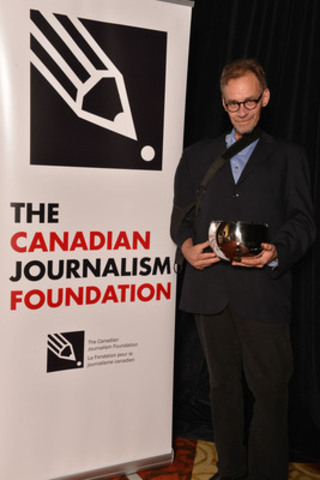 The New York Times was the recipient of the CJF Honorary Tribute. David Carr, business columnist and culture reporter, accepted the honour on behalf of the Times at the 16th Annual Canadian Journalism Foundation Awards. (CNW Group/Canadian Journalism Foundation)
