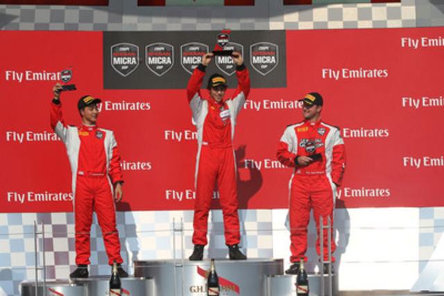 Thanasitnitikate (deuxième), Bédard (premier) et Bergeron (troisième) sur le podium samedi. (Groupe CNW/Nissan Canada Inc.)