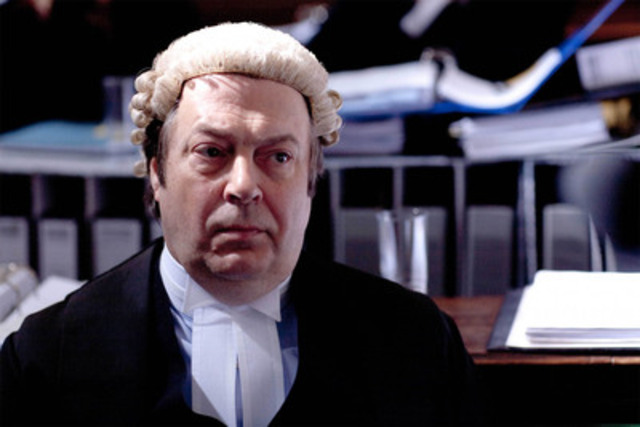 Actor Roger Allam, as barrister John Mallory Q.C, in court. (CNW Group/TVO)
