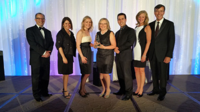 Saint Elizabeth's Hope and Happiness movement was recognized for acts of caring and kindness and its impact in inspiring others. Pictured [L to R] are: Ray Racette, President & CEO, CCHL; Courtenay Casaccio, SVP/Country Manager Canada, Stericycle; Madonna Gallo, Head of Public Voice, SE; Rheta Fanizza, SVP National Operations, SE; Glen Chenard, Advanced Practice Consultant, SE; Nancy Lefebre, SVP and Chief Clinical Executive, SE; Brian Schmidt, Chair, CCHL. (CNW Group/Saint Elizabeth Health Care)