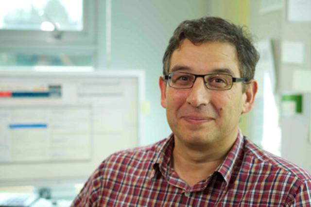 Grâce à la subvention de la Société canadienne du cancer, le Dr Sam Aparicio étudie les cellules souches afin de comprendre la manière dont les cancers du sein subissent des mutations, évoluent et deviennent pharmacorésistants. (Groupe CNW/Société canadienne du cancer (Bureau National))