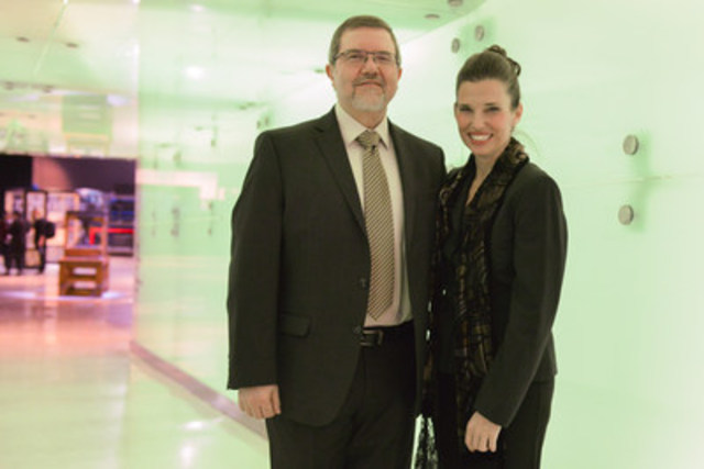 Dr. Maurice Bitran, CEO, Ontario Science Centre, and the Honourable Kirsty Duncan, Minister of Science, at the #EmptyOntarioScienceCentre event, a collaboration between the Ontario Science Centre and Instagram to celebrate the Road to 2017. (CNW Group/Ontario Science Centre)