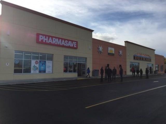 La Première Nation Elsipogtog ouvre un centre commercial avec Loblaw's et Pharmasave (Groupe CNW/The Usand Group, Head Office)