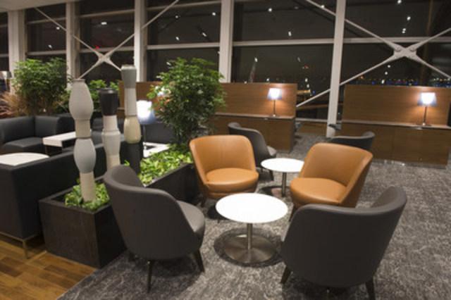 Air Canada inaugure à l'aéroport Montréal-Trudeau un nouveau salon Feuille d'érable pour les vols internationaux, qui met en vedette le design et le savoir-faire canadiens et québécois (Groupe CNW/Air Canada)