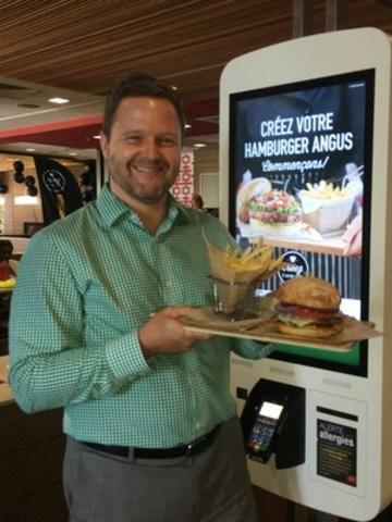 Lancement officiel des restaurants du futur McDonald''s à Québec en compagnie de Carl Pichette, directeur sénior marketing chez McDonald''s Canada (Groupe CNW/McDonald's)