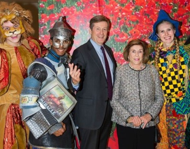 Mayor John Tory and his mother Liz Tory walked the yellow brick road in celebration of the 50th anniversary of Young People's Theatre on October 29 at the Arcadian Court in Toronto. (Credit: Racheal McCraig Photography/YPT 50) (CNW Group/Young Peoples Theatre)