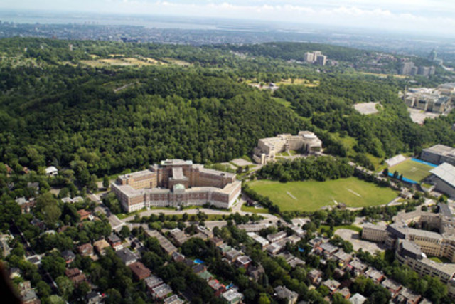 Bird's eye view of Château Maplewood at the foot of Mount Royal (CNW Group/CHATEAU MAPLEWOOD)
