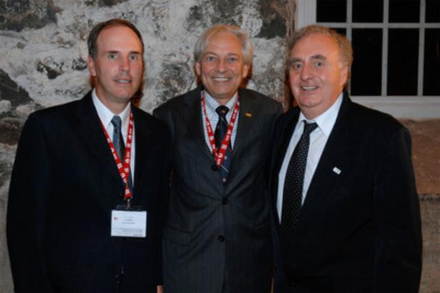 Dans l'ordre habituel : M. André Gravel, M. Luc Bouthillier, M. Pierre Lefebvre (Groupe CNW/ORDRE DES INGENIEURS DU QUEBEC)