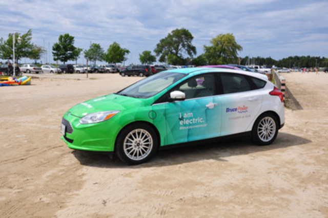 A collaborative report released today in Ottawa by Bruce Power, Plug'n Drive, Pollution Probe and the University of Waterloo's Department of Chemical Engineering, explores ways to build upon existing policy framework at the federal and provincial levels with respect to plug-in EVs. (CNW Group/Bruce Power)