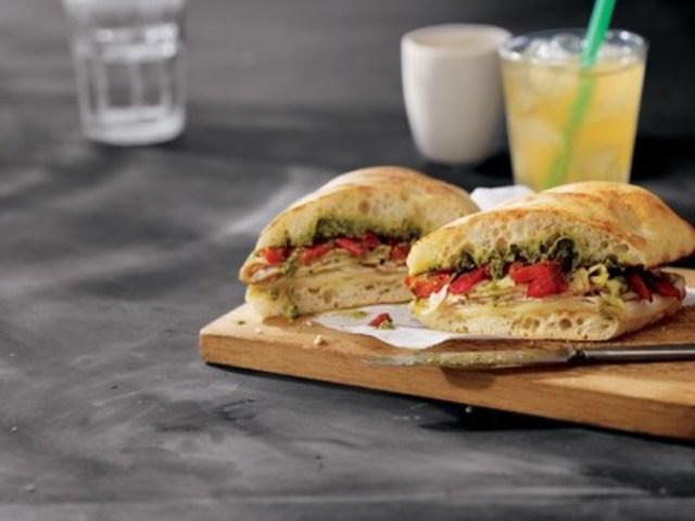 NOUVEAU! Sandwich dinde et pesto (Groupe CNW/Starbucks Coffee Canada)