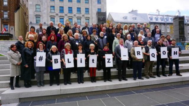 Plus de 80 personnes participent au Blitz pour l'habitation communautaire. (Groupe CNW/Réseau québécois des OSBL d'habitation (RQOH))