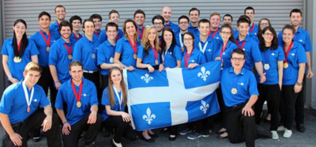 Les 33 médaillés de l'équipe du Québec aux 20es Olympiades canadiennes des métiers et des technologies!  Bravo aux 21 médaillés d'OR, 6 médaillés d'ARGENT et 6 médaillés de BRONZE! Plusieurs d'entre eux entameront maintenant les prochaines étapes pour le Mondial des métiers de 2015 à São Paulo au Brésil. @compétencesquébec (Groupe CNW/Compétences Québec)