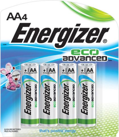 Energizer® EcoAdvanced(MC), la première pile AA au monde fabriquée avec quatre pour cent de piles recyclées. (Groupe CNW/Energizer Canada)
