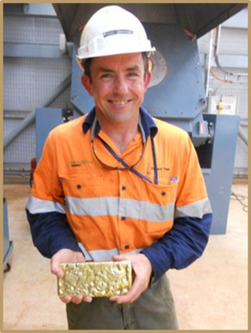 Jeremy Langford SVP Projects with first gold produced at Agbaou (CNW Group/Endeavour Mining Corporation)