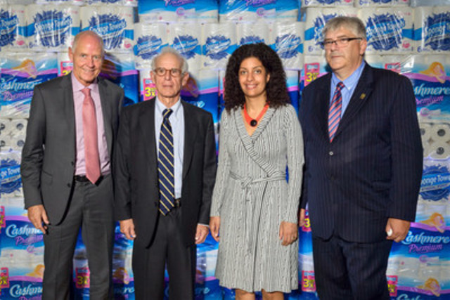From left to right: Mr. Mario Gosselin, Chief Executive Officer, Kruger Products; Joseph Kruger II, Chairman of the Board and Chief Executive Officer, Kruger Inc.; Mrs. Dominique Anglade, Minister of Economy, Science and Innovation, and Minister responsible for the Digital Strategy; and Mr. Denis Laporte, Crabtree Mayor. (CNW Group/Kruger Inc.)