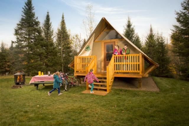 oTENTik accommodation (CNW Group/Parks Canada, Québec Field Unit)