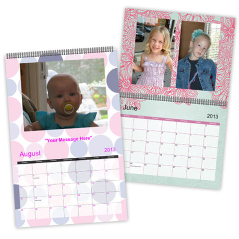 Personalize your holiday calendar at Staples Copy & Print. (CNW Group/Staples Canada Inc.)
