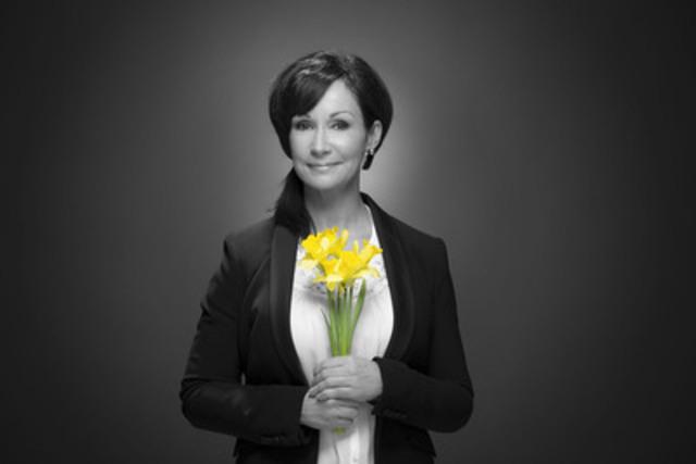 Josée Boudreault est la porte-parole de la campagne jonquille de la Société canadienne du cancer. D'ici dimanche, deux millions de fleurs seront vendues dans 1800 points de vente. Une belle façon d'appuyer la recherche, d'appuyer les efforts de prévention et de soutenir les personnes touchées par le cancer. (Groupe CNW/Société canadienne du cancer (Division du Québec))