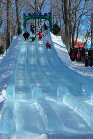 Positive report for the Fête des neiges de Montréal: more than 100,000 visitors for the 2016 edition. (CNW Group/PARC JEAN-DRAPEAU)