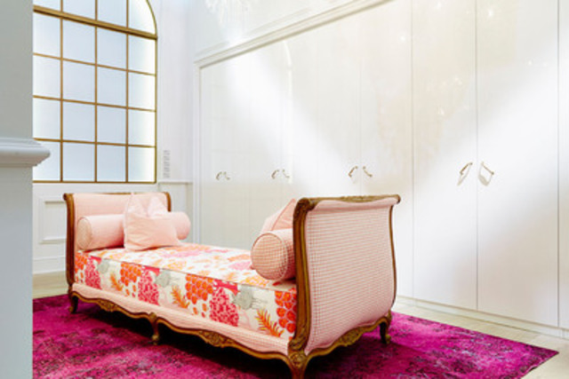 The dressing room featured wall to wall PAX wardrobes and an antique French daybed upholstered in a fun and punchy IKEA fabric. (CNW Group/IKEA Canada)