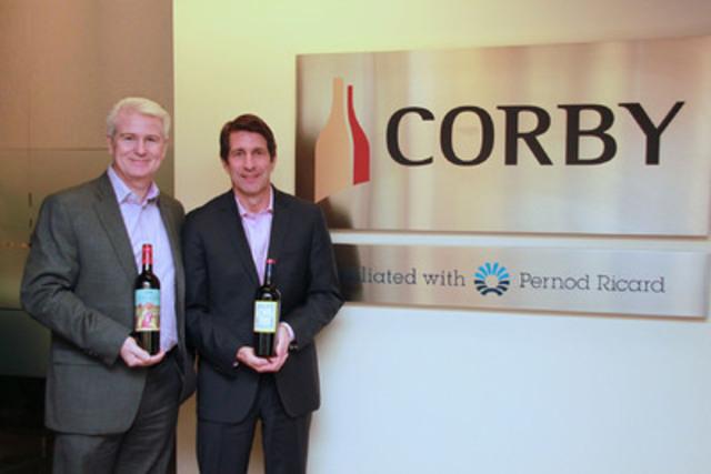 Patrick O'Driscoll, président et chef de la direction de Corby (à gauche) et Fritz Lance, président de l'international et des alliances de The Wine Group (à droite). (Groupe CNW/Distilleries Corby Limitée)
