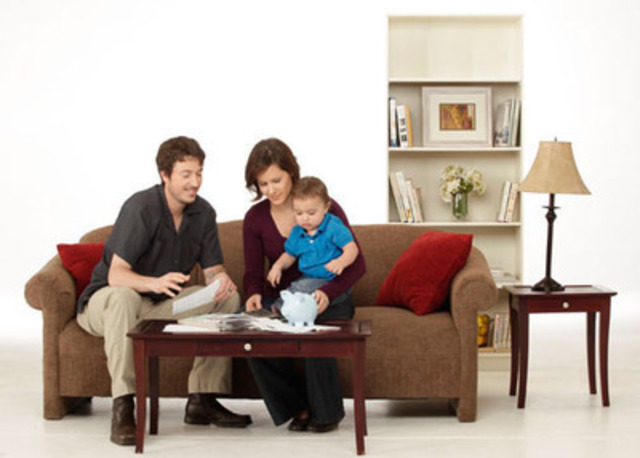 Nouveau! L'ACFC offre des conseils pour aider les nouveaux parents à gérer les répercussions financières de l'arrivée d'un bébé (Groupe CNW/Agence de la consommation en matière financière du Canada)