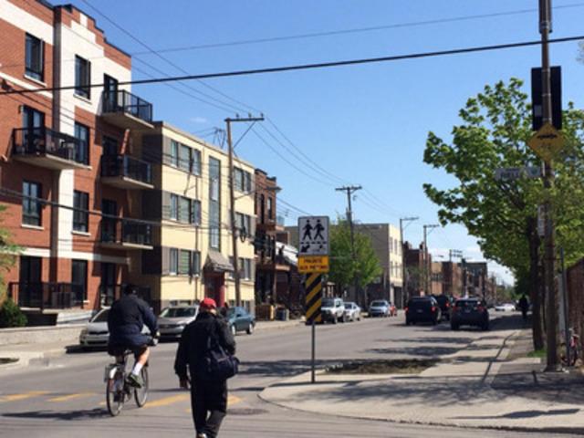 Saillie de trottoir (avancée de trottoir) aménagée à l'angle de la rue Rielle et de Verdun, à proximité de l'école Lévis-Sauvé, à Verdun  (Groupe CNW/Ville de Montréal - Arrondissement de Verdun)