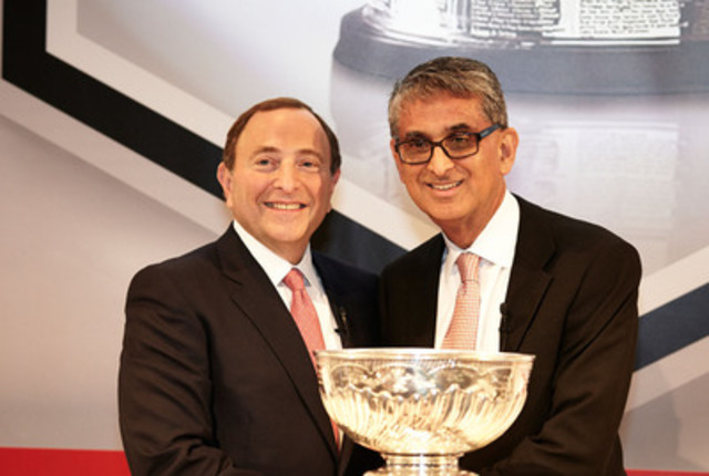 Nadir Mohamed, President and CEO, Rogers Communications and Gary Bettman, NHL Commissioner, announce landmark 12-year national broadcast and multimedia agreement at Rogers headquarters in Toronto. (CNW Group/Rogers Communications Inc.)
